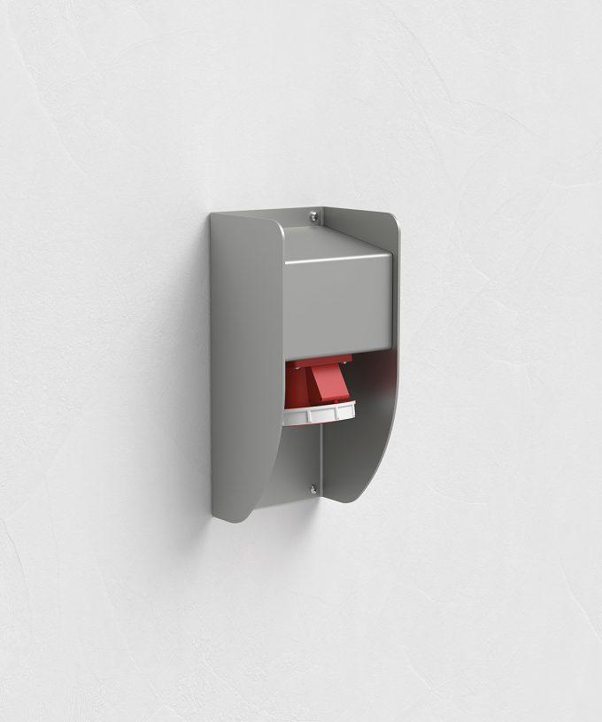 CEE wall socket 5510E on the wall