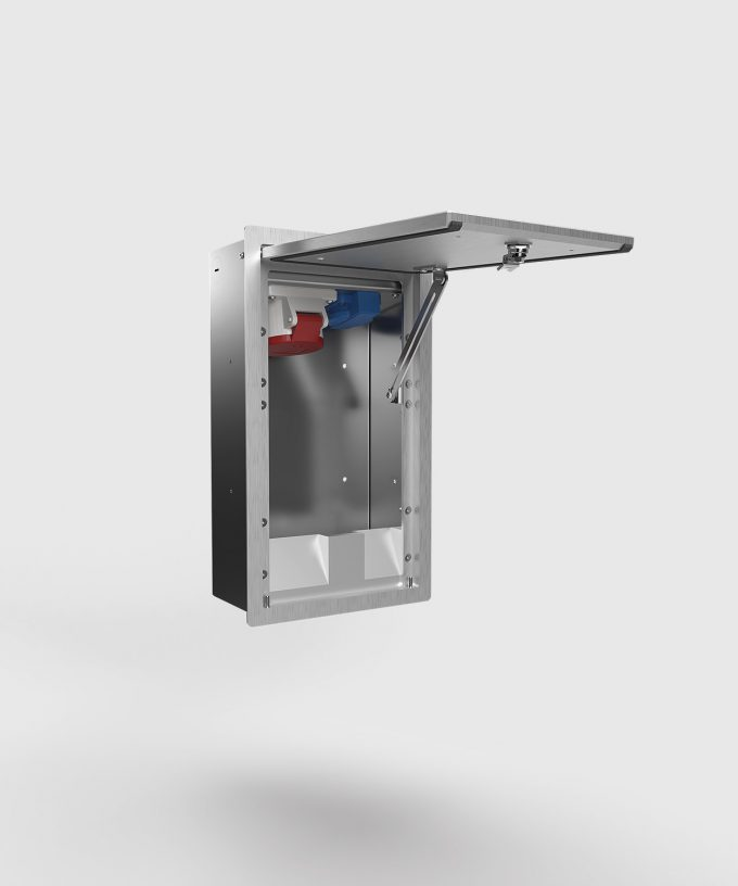 wall distributor 5511A with CEE and Schuko lid door open
